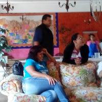 Foto tirada no(a) Posada Nican Mo Calli por Laura O. em 7/18/2014