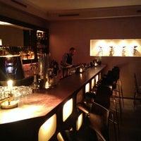Das Foto wurde bei Hefner Bar von Moe am 3/2/2014 aufgenommen