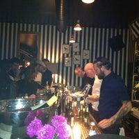 Das Foto wurde bei Neue Odessa Bar von tek h. am 5/18/2013 aufgenommen