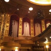 5/17/2013 tarihinde Abdullah A.ziyaretçi tarafından Warner Theatre'de çekilen fotoğraf