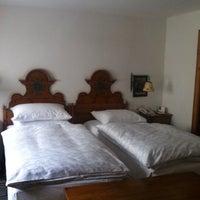 Das Foto wurde bei Hotel Goldener Hirsch von Dmitry A. am 6/12/2013 aufgenommen