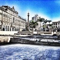 Foto diambil di Cais do Valongo (Cais da Imperatriz) oleh Gabriela P. pada 2/1/2013