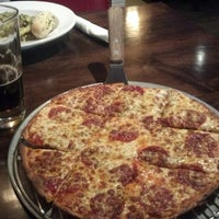 Photo taken at Spinato's Pizzeria by Justin on 11/27/2012