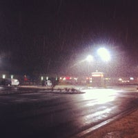Photo taken at Pizza Hut by Tommy W. on 2/2/2015