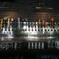 Photo prise au Taps Wine & Beer Eatery par Dave N. le7/6/2013