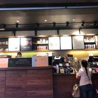 Снимок сделан в Starbucks пользователем Daniel S. 7/11/2018