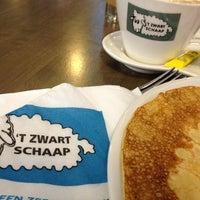 Photo taken at 't Zwart Schaap by Lalaina R. on 4/7/2013