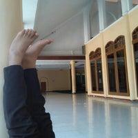 Photo taken at Masjid Al-Maghfirah by fitri vthree on 8/7/2014
