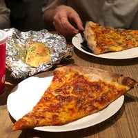 Photo taken at PIZZA SLICE 2 by ちなみちゃん on 4/20/2018
