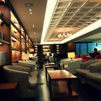 Photo taken at Asiana Lounge Business Class by Yena K. on 1/24/2013