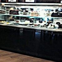 Foto tirada no(a) Seven Wonders Café por Fora do ar o. em 1/27/2013