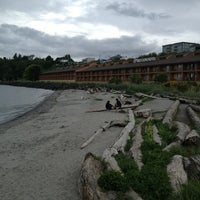 Photo taken at Red Lion Hotel Port Angeles by Tong M. on 5/26/2013