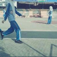 Photo taken at Lap Basket SMAN 1 KEDIRI by Talitha C. on 5/6/2013