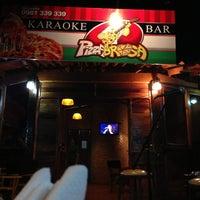 Photo taken at Pizzabrosa Karaoke Bar by Jorgito D. on 9/26/2013