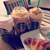 Photo taken at Starbucks by Arantxa M. on 1/18/2013
