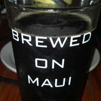 Photo taken at Maui Brewing Co. Brewpub by Quinn Z. on 7/15/2013