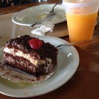 Photo taken at Restaurante Terraço Jardim by Thiago K. on 10/24/2014