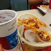 Photo taken at KFC 肯德基 中壢店 by 行健 鄭. on 5/8/2014