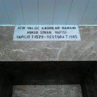 5/29/2013 tarihinde Aysu A.ziyaretçi tarafından Valide-i Atik Hamamı'de çekilen fotoğraf