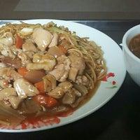 Photo taken at Pekina Ķīniešu Virtuve by Māris K. on 6/7/2016