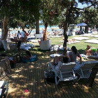 Photo taken at Quente Beach Club by Erh H. on 7/13/2013