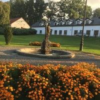 Photo taken at Golf & Spa Resort Konopiště by Hans V. on 9/25/2017