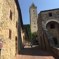 Foto scattata a La Biscondola da Valerie 💅 il 7/24/2015