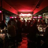 Foto tirada no(a) Genuine Liquorette por gmcov em 10/20/2015