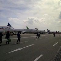 Photo taken at Sultan Aji Muhammad Sulaiman Sepinggan Balikpapan International Airport (BPN) by Bintang A. on 1/22/2013
