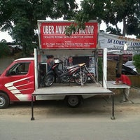 Photo taken at Pasar Way Halim by Albertus K. on 10/25/2013