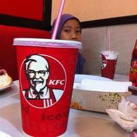 Photo taken at Kentucky Fried Chicken (KFC) by A-z K. on 4/23/2013