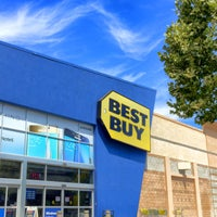 Photo taken at Best Buy by David B. on 8/29/2015