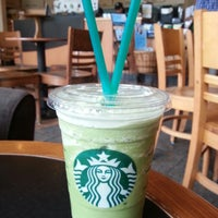 Photo taken at Starbucks by Jingyi 🍀 on 9/15/2013