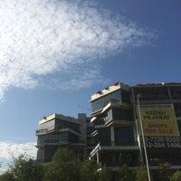 Photo taken at Tamarind Square by Syafiq R. on 10/25/2017