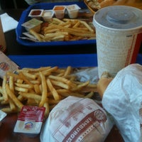 2/3/2013 tarihinde Elif D.ziyaretçi tarafından Burger King'de çekilen fotoğraf