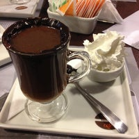 Foto tirada no(a) Seven Wonders Café por Raimundo B. em 4/27/2013