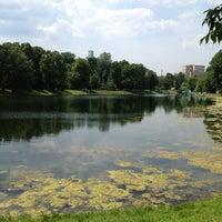 7/3/2013 tarihinde Alex B.ziyaretçi tarafından Екатерининский парк'de çekilen fotoğraf