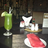 รูปภาพถ่ายที่ The K Lounge, The K Hotel โดย Hassan Y. เมื่อ 1/25/2013