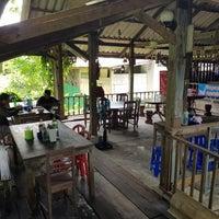 Photo taken at ร้านเคียงวาริน by Nokkaew M. on 4/29/2018