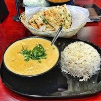 รูปภาพถ่ายที่ Tarka Indian Kitchen โดย Carlos M. เมื่อ 6/10/2016