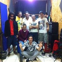 Photo taken at Estudio Barulho by Zane M. on 5/31/2014