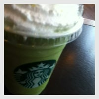 Photo taken at Starbucks by ɱίɴτ ⓟરᎯ on 1/29/2013