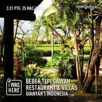 Photo taken at Bebek Tepi Sawah Restaurant & Villas by Tun M. on 3/25/2013