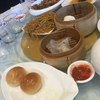 Photo taken at Golden Times Chinese Restaurant by Ozgenre on 6/25/2016