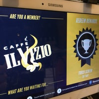 Photo taken at Caffe Il Vizio by Ozgenre on 8/8/2016