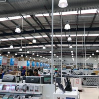 Photo taken at Officeworks by Ozgenre on 9/15/2017