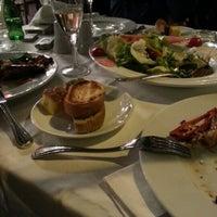 Photo prise au Akıntı Burnu Restaurant par Liudmila K. le3/11/2013