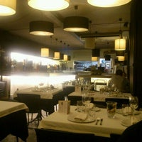 Foto tomada en Arenal Restaurant por starbase d. el 11/17/2012