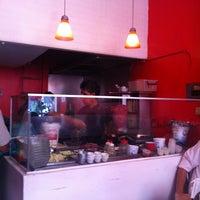 Foto tomada en Juanjo's Kebab por Emmanuel P. el 4/4/2013