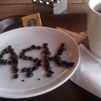 2/27/2013 tarihinde Gurhan S.ziyaretçi tarafından Starbucks'de çekilen fotoğraf